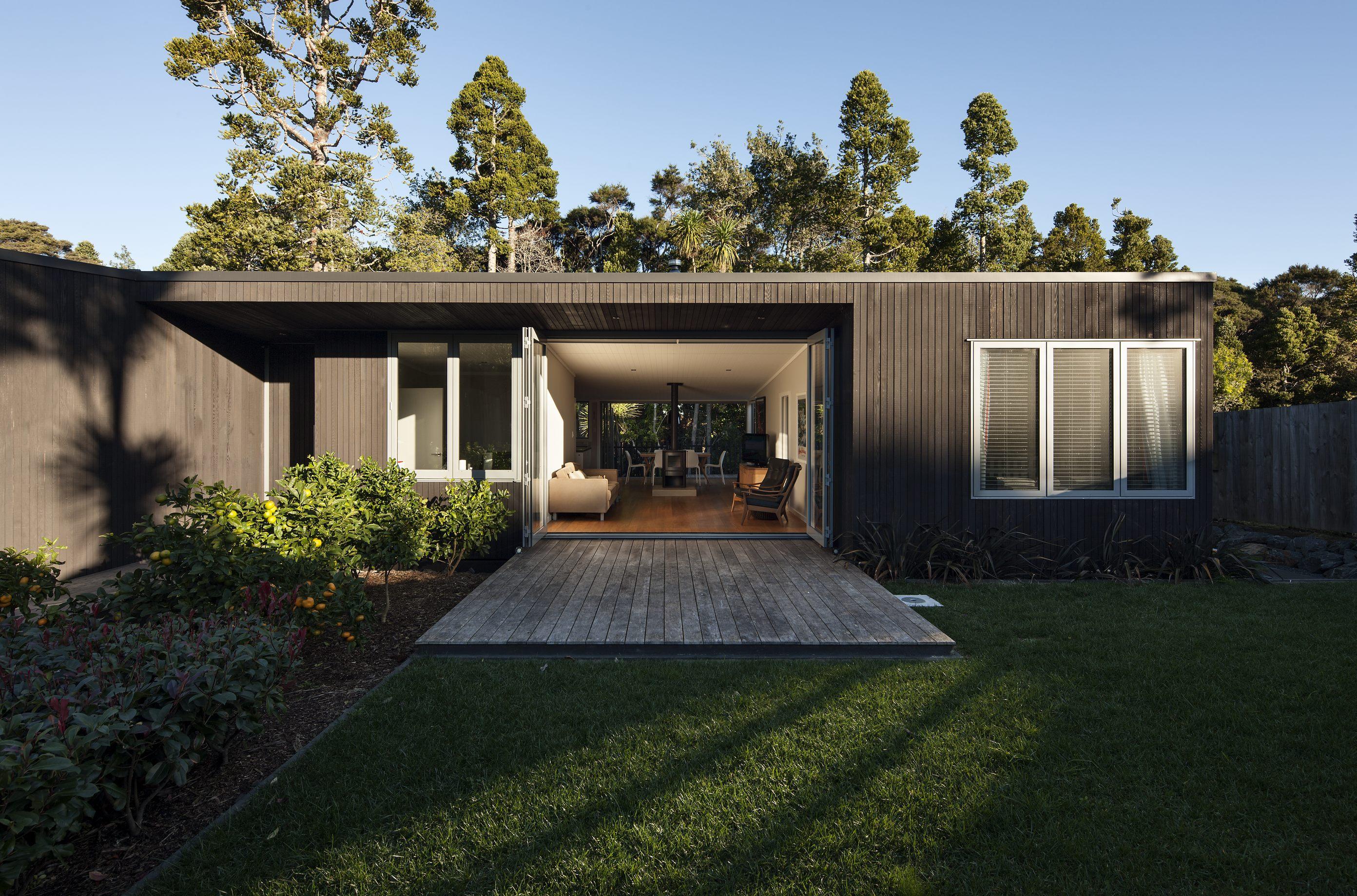 Cedar cladding Auckland house construction complete