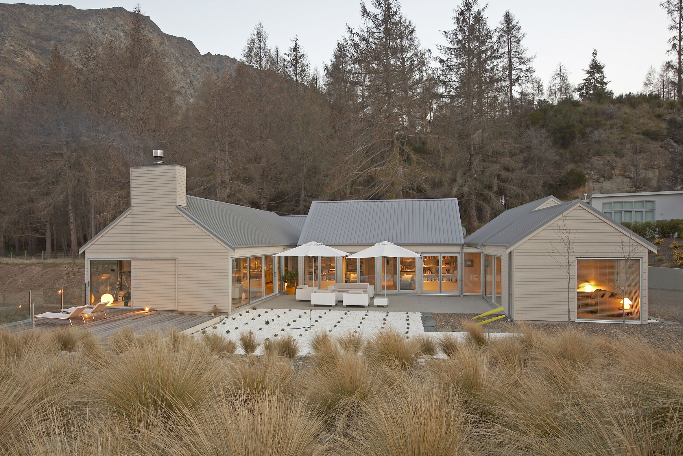 Queenstown architecture NZ courtyard house