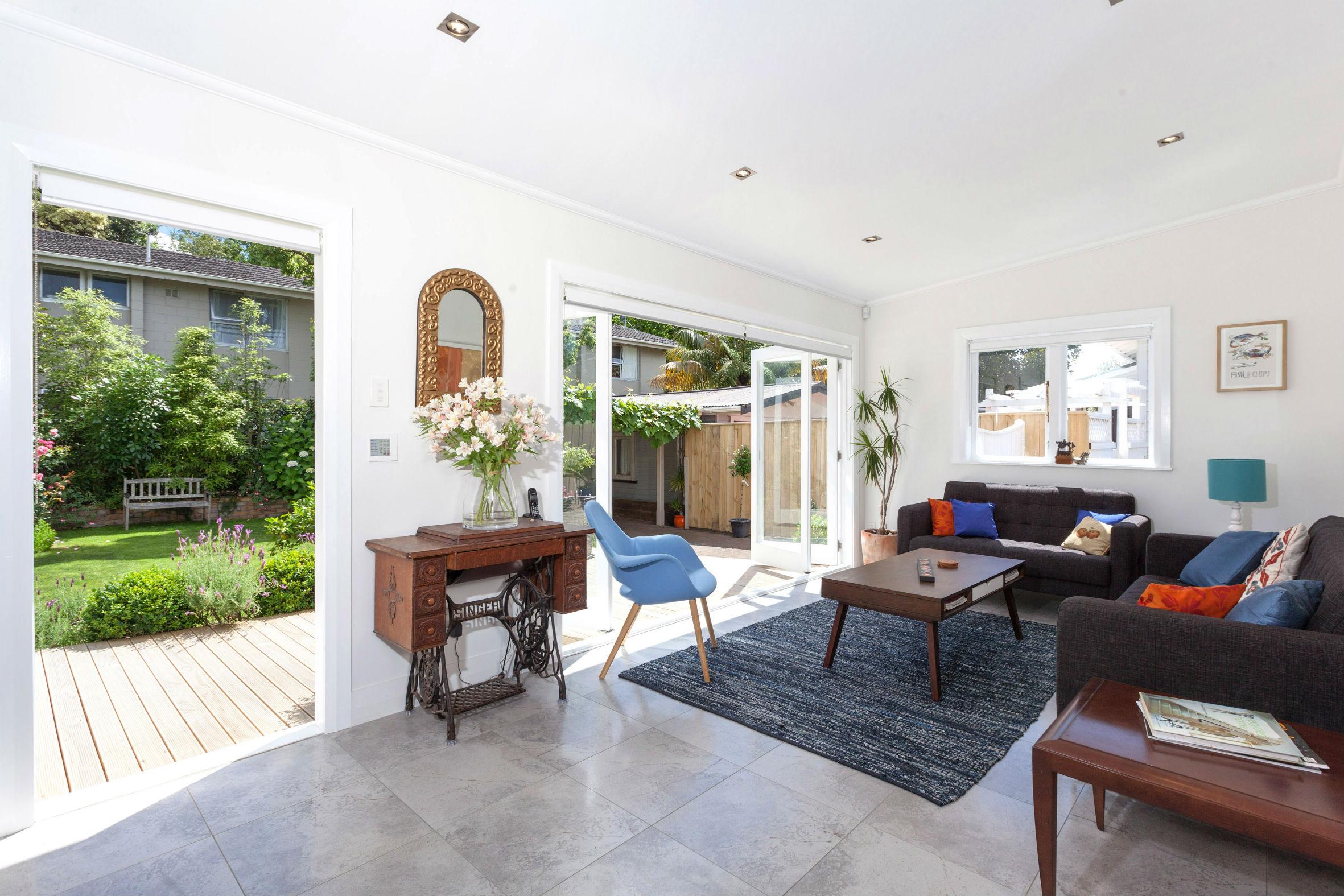 Mt Eden architects new villa living room