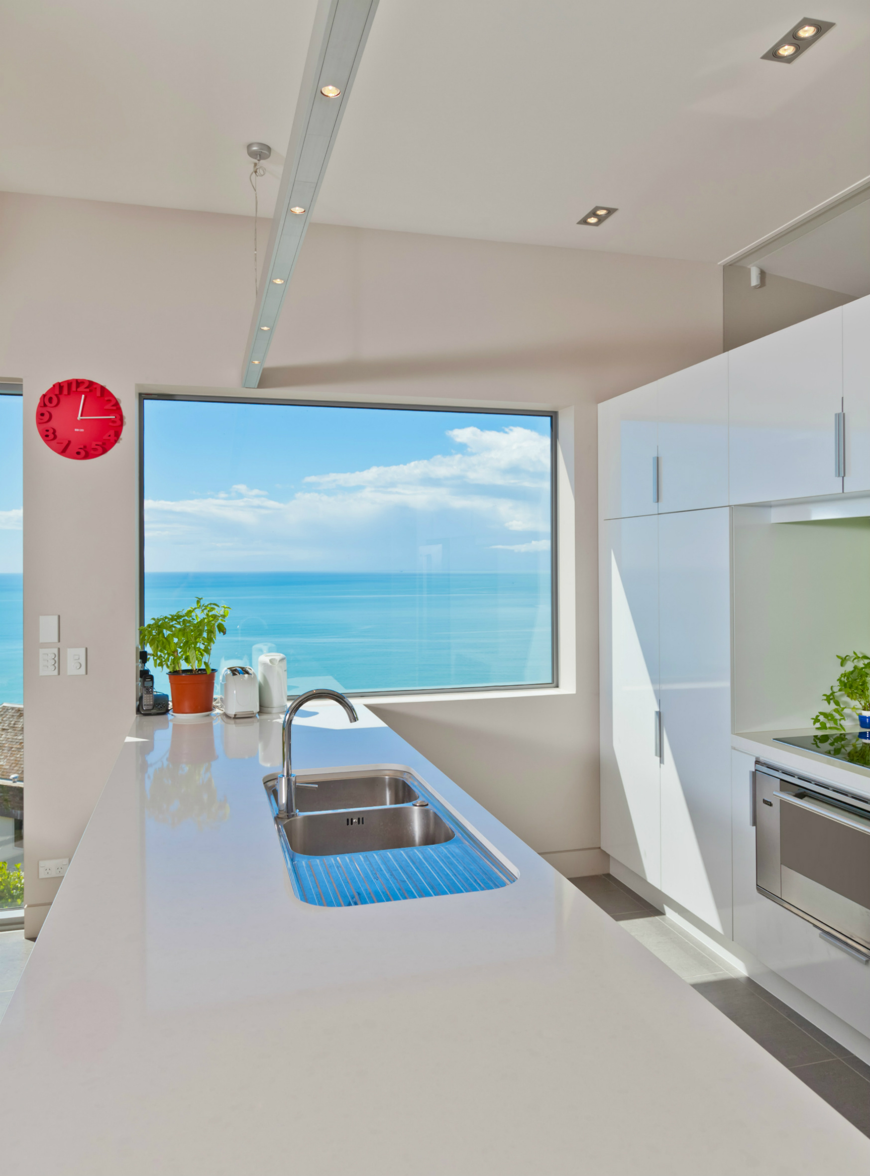 White kitchen sea views
