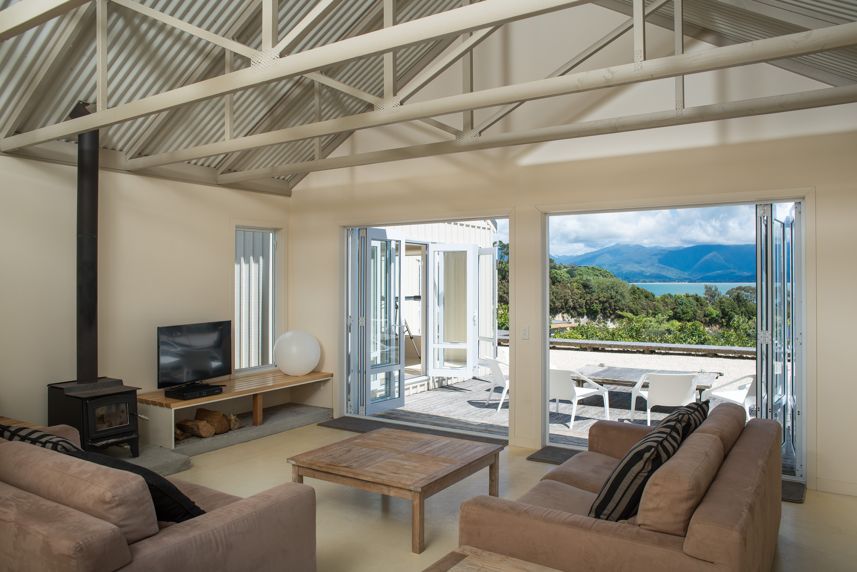 Golden Bay bach sea views exposed trusses