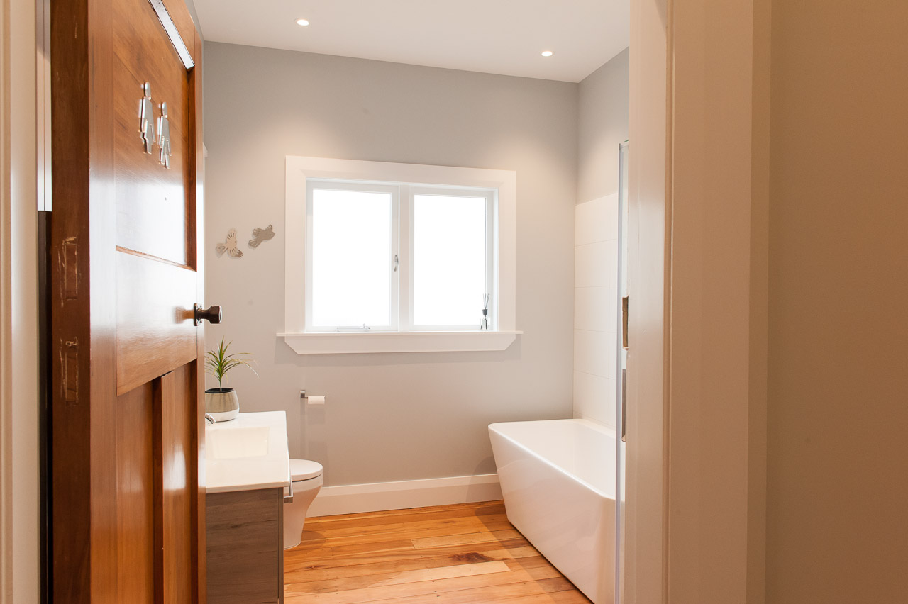 Timber detailed bathroom