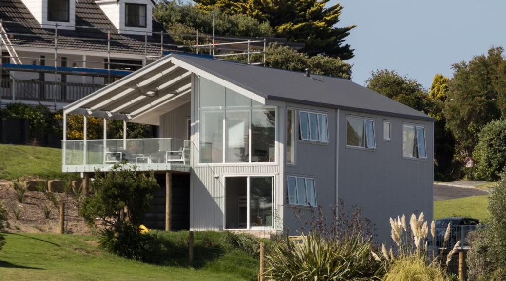 New coastal house at Tapeka Point